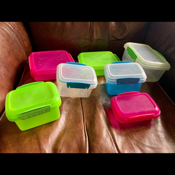 Tupperware Other - 7 snack/ Tupperware containers